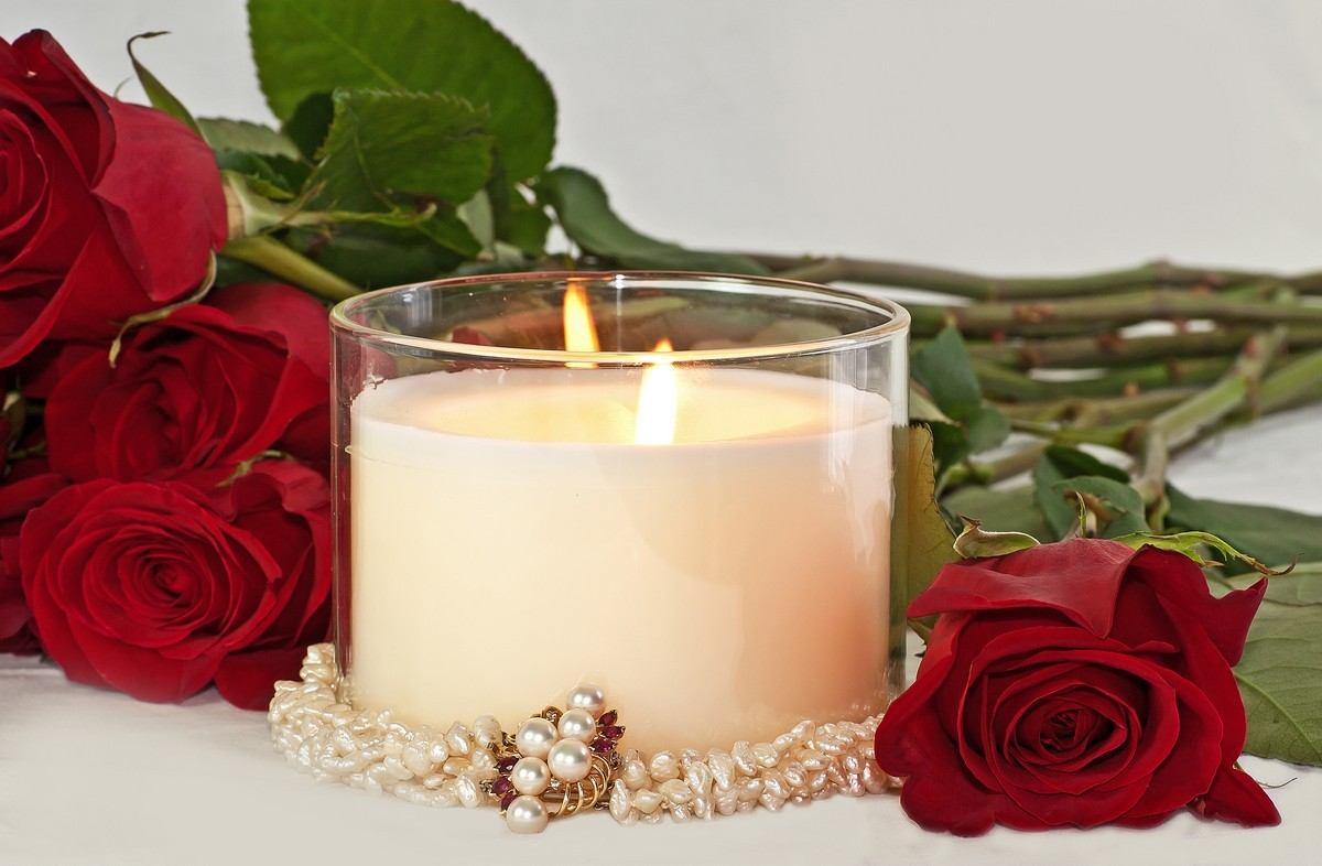 romantic-candles-rose